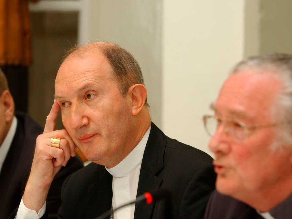 Peter Buercher (links) wird das Churer Bistum als Apostolischer Administrator leiten (Archiv). (Bild: KEYSTONE/LUKAS LEHMANN)
