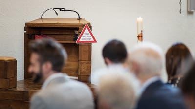 «Hier wird nicht gepredigt!» Die Kanzel wird an diesem Sonntag nicht gebraucht. (Bild: Michel Canonica)