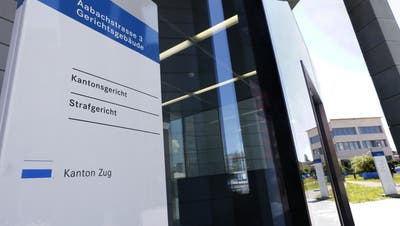 Hier am Zuge Strafgericht am Dienstag der Strafprozess gegen den Meth-Koch statt. Strafgericht und Strafverfolgung und Gerichte im Kanton Zug. (Bild Werner Schelbert, Zug, 16. Juli 2018)