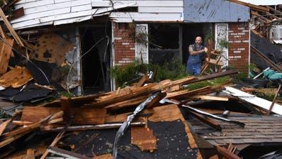 Tornados und Hochwasser im mittleren Westen der USA