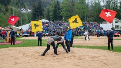 Am 12. Mai verfolgten 2800 Zuschauer das Urner Kantonale. Beim «Innerschweizerischen» in Flüelen werden es rund dreimal so viele Besucher sein.(Bild: Urs Flüeler/Keystone)