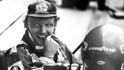 Der österreichische Rennfahrer Niki Lauda während des Vortrainings auf dem Hockenheimring für den Großen Preis von Deutschland 1977. (Bild: dpa/db)