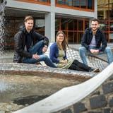 Pascal  Horni, Hope Läubli und Konrad Daniel Reutimann fühlen sich wohl auf dem Giessberg. (Bild: Reto Martin)