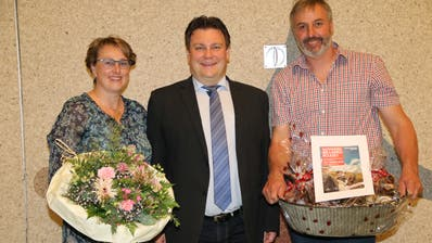 Claudia Ilg, Ciril Schmidiger und Ueli Schild posieren ein letztes Mal zusammen. (Bild: Hana Mauder Wick)