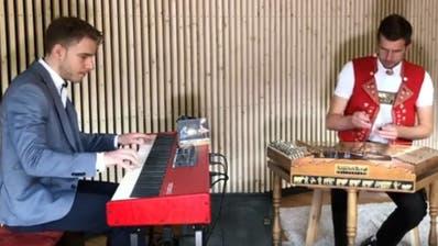 «Hackbrett meets Boogie Woogie»: Elias Bernet und Nicolas Senn produzieren CD
