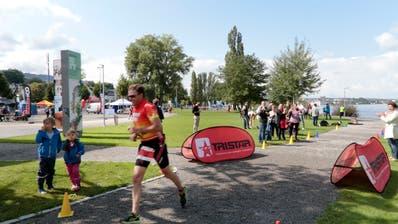 Ein Läufer am ersten Tristar Triathlon in Rorschach. (Bild: PD)