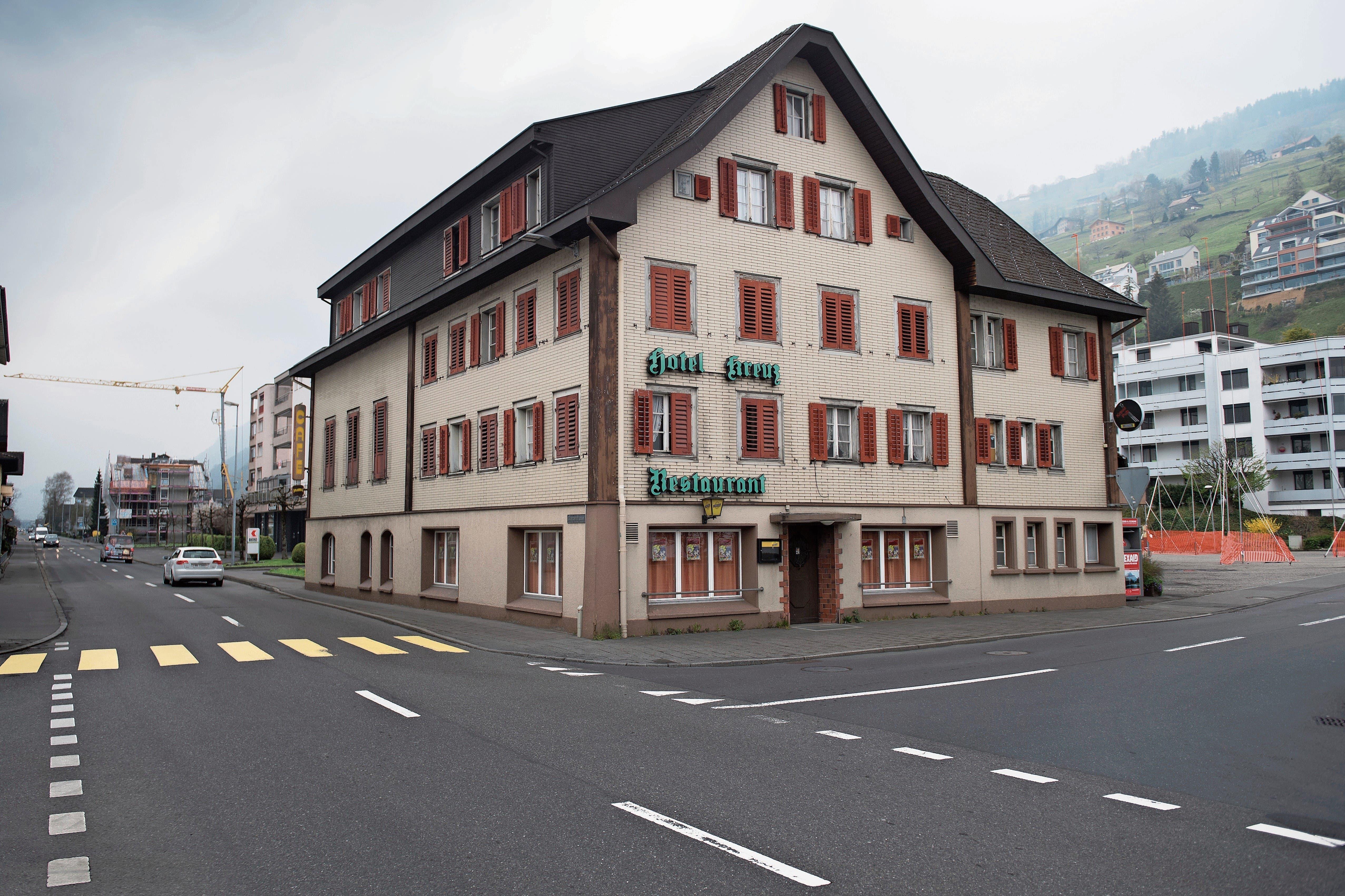 Das Gebäude kurz vor dem Start der Arbeiten. (Bild: Boris Bürgisser (Ennetbürgen, 11. April 2019)