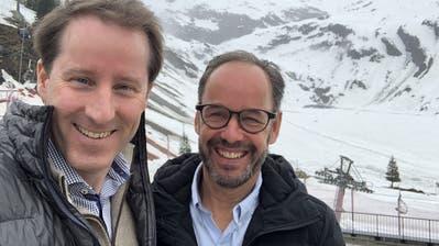 SVP-Fraktionschef Thomas Aeschi (l.) und Titlis-CEO Norbert Patt trafen sich zur Aussprache. (Bild: HO)