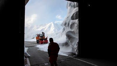 Gotthard-Passstrasse an Auffahrt wieder offen
