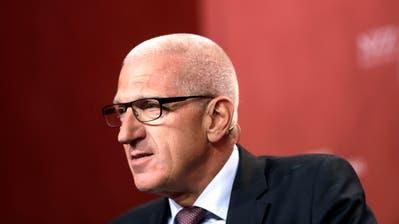 Pierin Vincenz, der Ex-CEO von Raiffeisen, sperrt sich gegen die Entsiegelung von Beweismaterial. (Bild: Matthew Lloyd/Bloomberg, Bern, 29. Juni 2015)