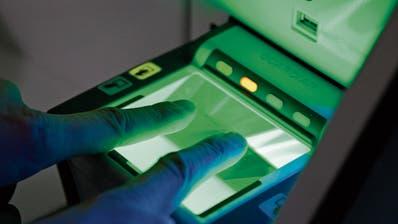Wegen ihrer Schengen-Mitgliedschaft könnte die Schweiz bald gezwungen sein, die biometrische ID einzuführen