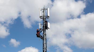 Eine 5G Antenne. (Bild: Keystone/Peter Klaunzer)