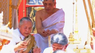 Thailands König Maha Vajiralongkorn gekrönt