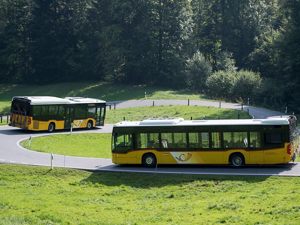 Der Bund passt sein Aufsichtssystem über subventionsberechtigte Transportunternehmen an. Ein Grund dafür sind die jahrelangen Subventionstricksereien bei Postauto. (Bild: KEYSTONE/URS FLUEELER)
