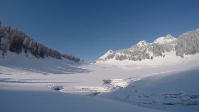 Auch in diesem Winter wurde der Kaltluftsee Hintergräppelen seinem Namen gerecht. (Bild: Stephan Vogt)