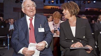 Lord Griffiths of Fforestfach im Gespräch mit Bundesrätin Doris Leuthard bei der Eröffnung des letztjährigen Symposiums. Bild: Urs Bucher (St.Gallen, 3. Mai 2018)