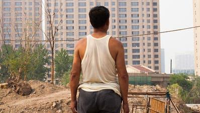 China im Umbruch: Neue Hochhäuser ersetzen einfache Behausungen. (Bild: PD)