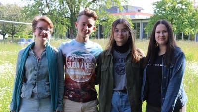 Bekämpfen den Klimawandel: Anouk und Simon Walliser, Emma Rohn und Ariane Alig. (Bild: Markus Bösch)