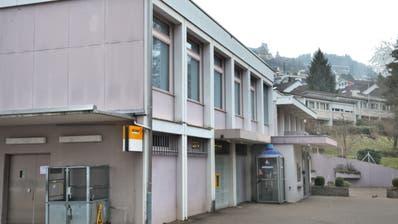 Die ehemalige Postfiliale auf dem Areal der Reformierten Kirchgemeinde im Würzenbach: Hier könnten dereinst Alterswohnungen entstehen. Ob dies mit der neuen BZO noch zulässig ist, ist unklar. (Archivbild Nadia Schärli)