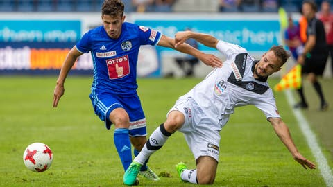 Luzerns Olivier Custodio (links) wird wohl bald im schwarz-weissen Dress des FC Lugano spielen. (Bild: Philipp Schmidli, Luzern, 23. Juni 2017)