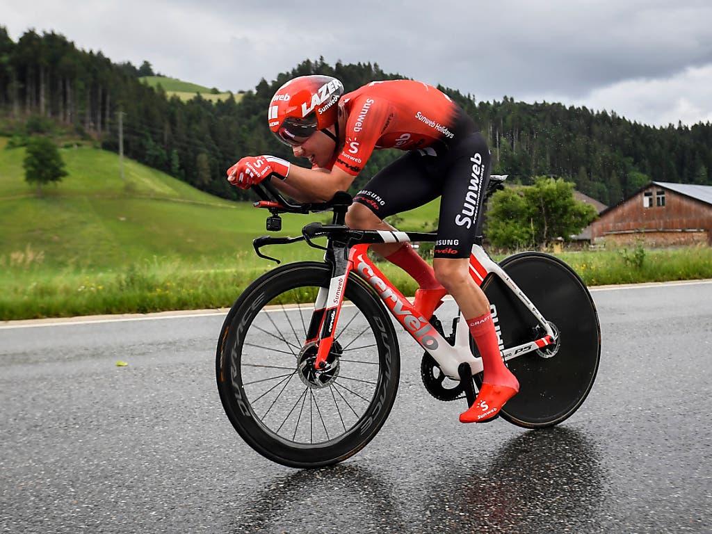 Die 2. Etappe führt durch das Trainingsgebiet des Berners Marc Hirschi - im Bild während des Zeitfahrens vom Samstag (Bild: KEYSTONE/GIAN EHRENZELLER)