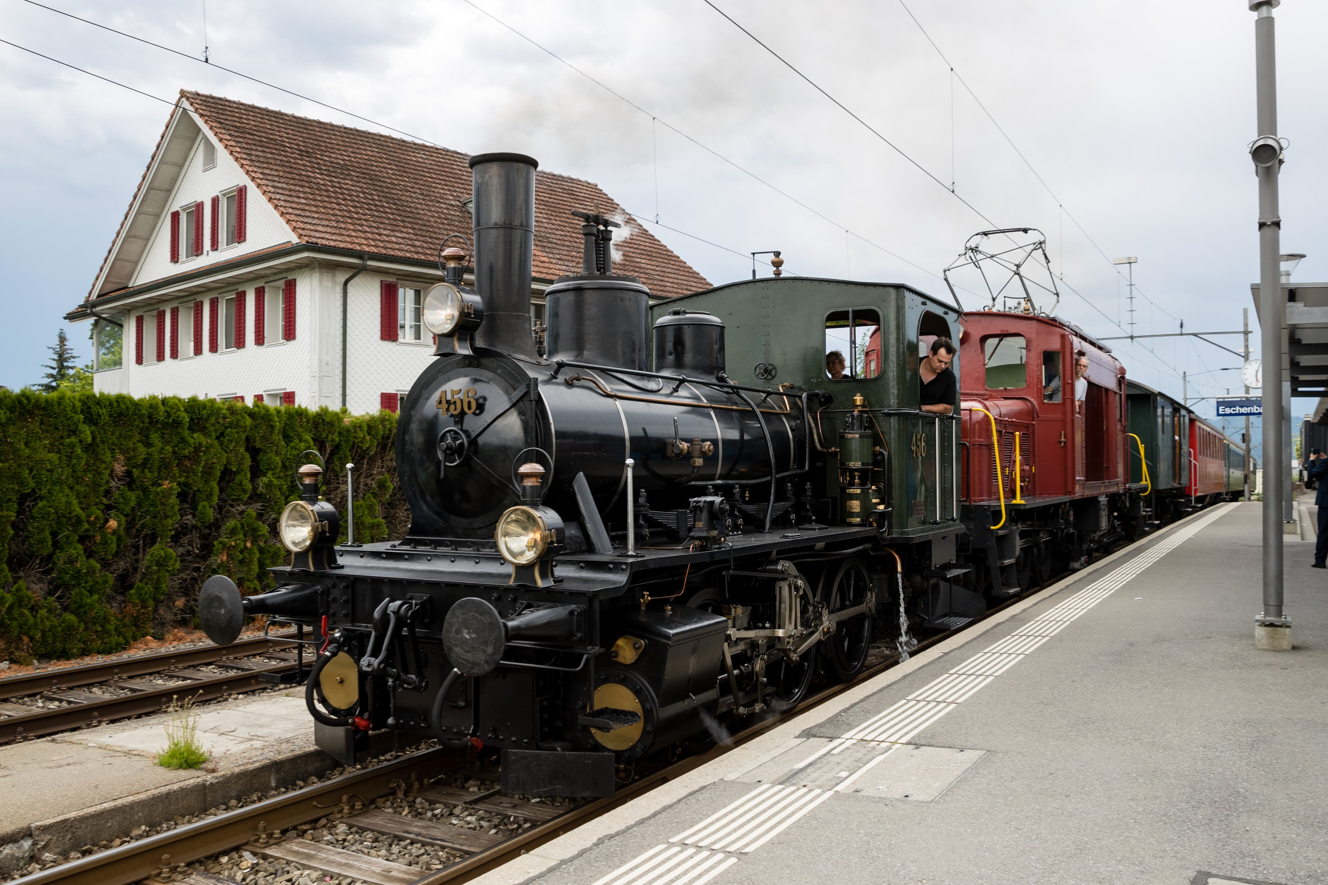 Anlässlich der Wahlfeier zum Kantonsratspräsidenten ist Josef Wyss mit dem Extrazug nach Eschenbach gefahren worden.