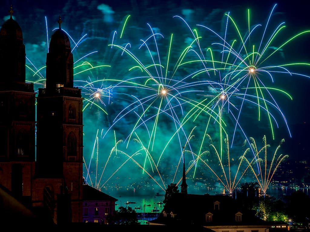 Beliebt an jedem Züri Fäscht sind jeweils die Feuerwerke. Das Fest findet 2019 vom 5.-7. Juli statt. (Bild: KEYSTONE/WALTER BIERI)