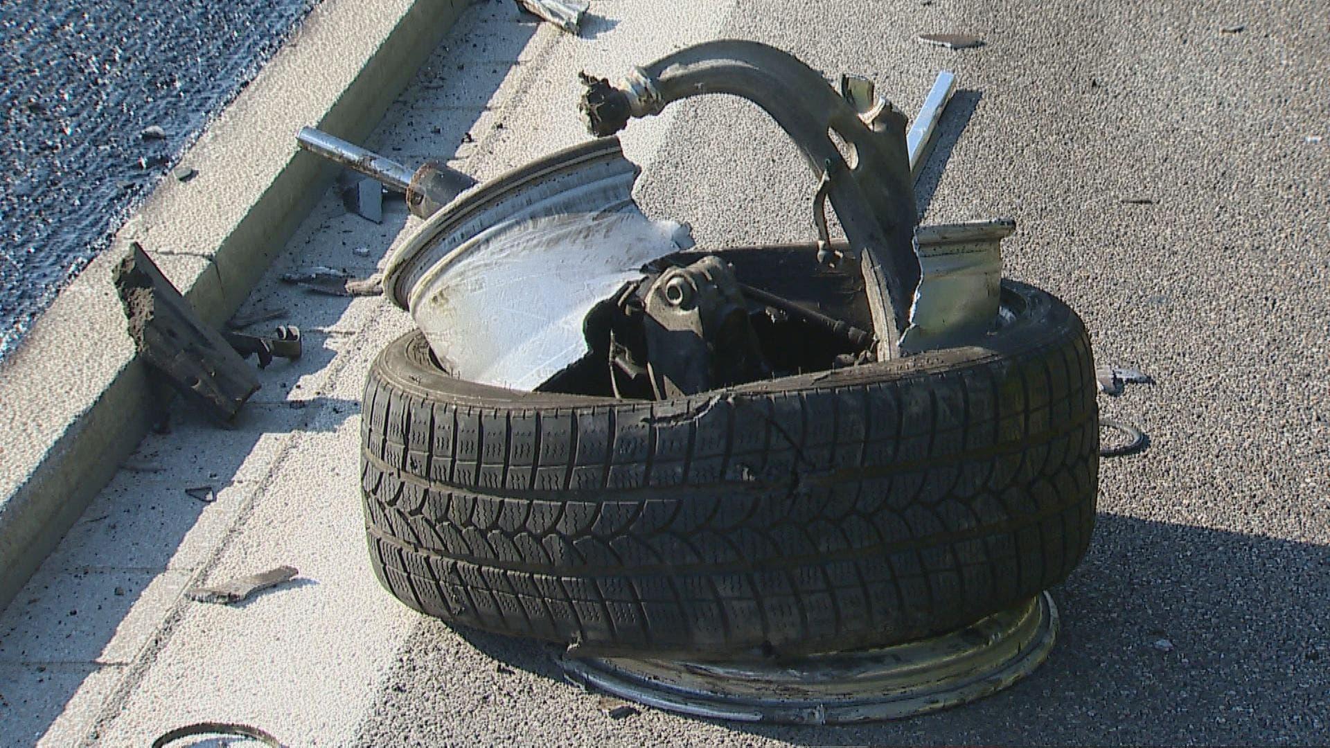 Ein abgetrennter Reifen. (Bild: BRK News)