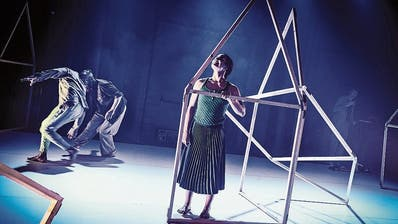 Panorama Dance Theater: Daheim zwitschern die Vögel