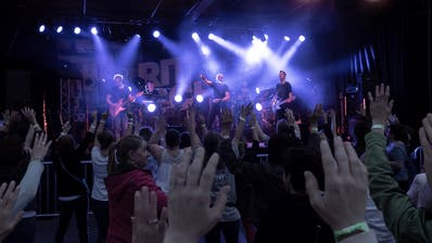Hunderte besuchten Ritschis Auftritt in Ebnat-Kappel. (Bild: Sascha Erni)