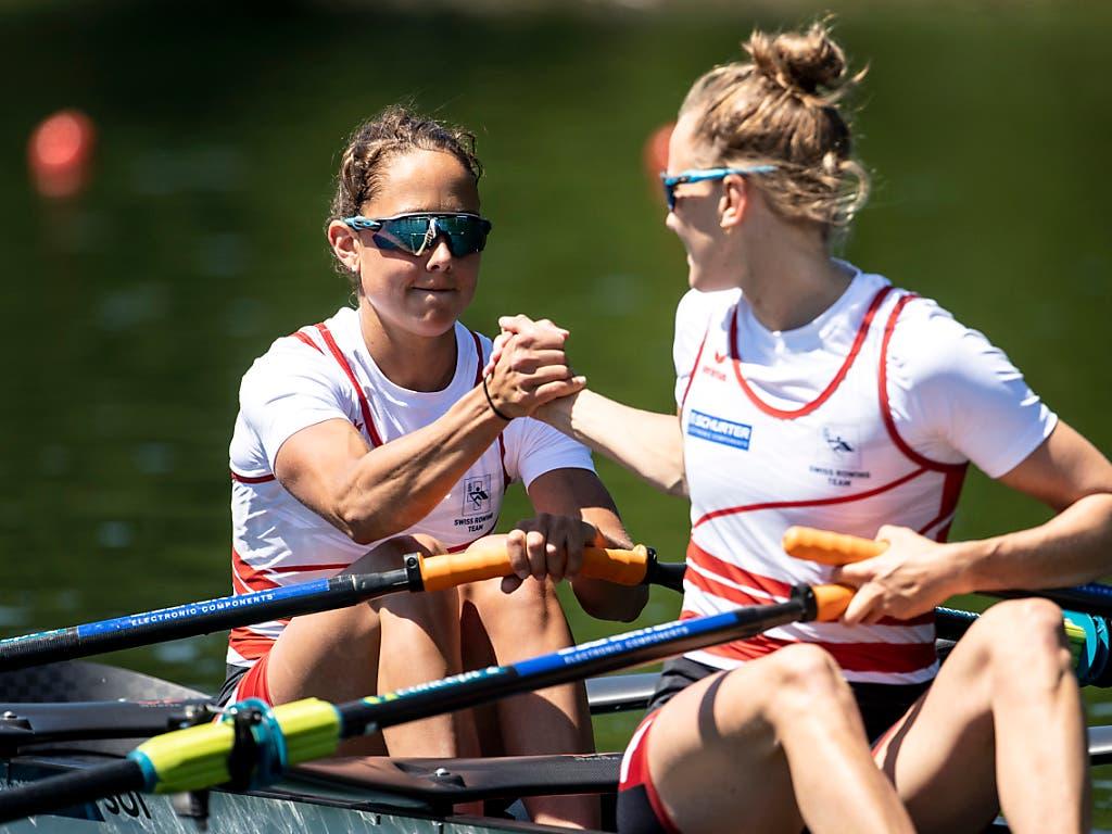 Patricia Merz (links) und Frédérique Rol gewinnen im Leichtgewichts-Doppelzweier EM-Bronze (Bild: KEYSTONE/ALEXANDRA WEY)