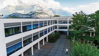Zwei Konkurse, doppelt vorbestraft und keine Meldung an den Arbeitgeber: Der Rektor der Kantonsschule Sargans auf rauer See