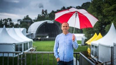 «Jetztwird einmal mehr über die Ticketverkäufe spekuliert»: Festivalchef Christof Huber. (Bild:Michel Canonica)