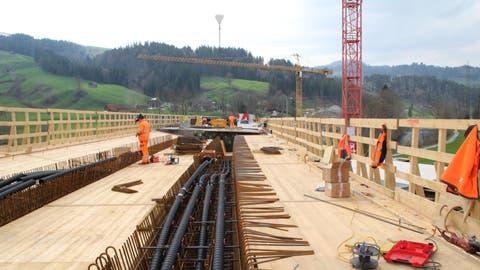 Streckensperrungen auf der Schiene, Umleitungen auf der Strasse: Das Toggenburg wird zu einer Baustelle