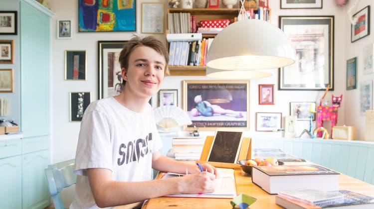 Maximilian Janisch (hier im September 2018) kurz vor Beginn seines Studiums zu Hause in Meierskappel. (Bild: Claudio Thoma)