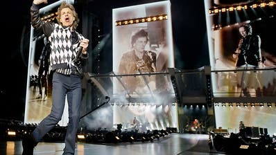 Mick Jagger tanzt beim verspäteten Tourauftakt der Rolling Stones