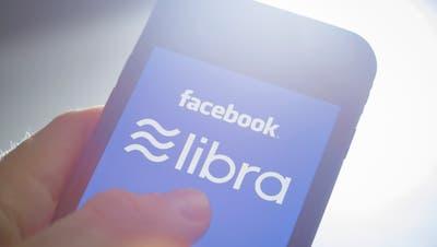 Mit Libra wollen Facebook und seine Partner den Zahlungsverkehr revolutionieren. (Bild: Thomas Trutschel/Getty, Berlin, 21. Juni 2019)