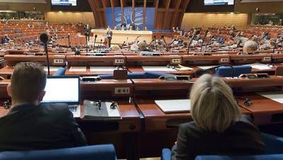 Europarats-Parlamentarier heben Sanktionen gegen Russland auf