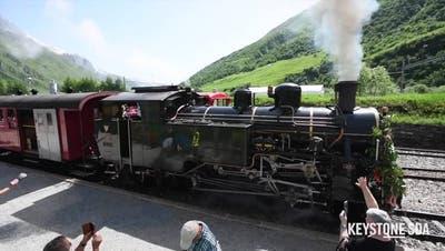 Jungfernfahrt der «Vietnam-Lokomotive» auf der Furka-Bergstrecke