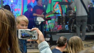 Die Musik- und Kulturschule Hinterthurgau bietet Schülerbands mit dem Openair in der Tobler Komturei eine Plattform. Nun kommt mit der Semesterend-Party eine weitere dazu. (Bild: Christoph Heer)