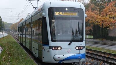 Eine der 42 Variobahnen im Einsatz. (Bild: Manfred Kopka/Wikimedia)