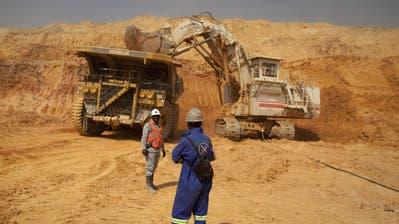 Arbeiter in der KOV-Kupfer- und Kobaltmine der Glencore-Tochter Katanga im Südosten der Demokratischen Republik Kongo. (Bild: Simon Dawson/Bloomberg, 1. August 2012)