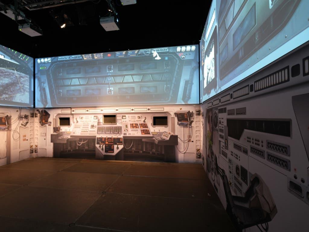Das Raumschiff Helvetia bringt die Bernerinnen und Berner im Hui ins All - zumindest in der Multimediashow auf dem Bundesplatz. (Bild: Universität Bern)