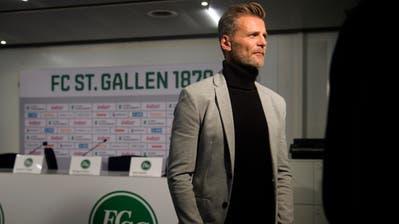 Alain Sutter kehrt dem FC St. Gallen nun doch nicht den Rücken. (Bild: Gian Ehrenzeller/Keystone)