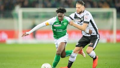 Itten-Treter Fabio Daprelà (hier im Duell mit Axel Bakayoko) wird in der kommenden Europa-League-Saison im Kybunparkauflaufen. (Bild: Urs Bucher, 16. März 2019)