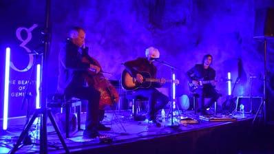 Mystische Atmosphäre: Michael Sele und seine Band The Beauty of Gemina spielten im Kompressorenraum. (Bild: Andreas Hörner)