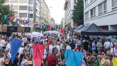 Blick auf das Strassenfest von Leuchter IT Solutions. (Bild:Roman Beer)