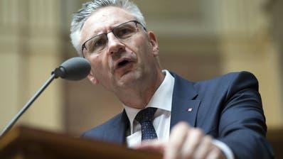 SVP-Nationalrat Glarner provoziert nicht nur im Bundeshaus. (Bild: Anthony Anex/Keystone)