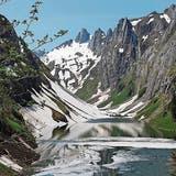Der Schnee weicht zögerlich, wie W&O-Leser Jakob Hanselmann auf seiner Wanderung von Frümsen an den Fählensee feststellte. (Bild: Jakob Hanselmann)