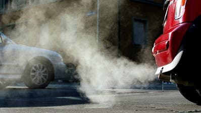 Die Gemeinde Steinach hat den höchsten CO2-Ausstoss im Kanton St.Gallen - zurückzuführen wohl auf den Verkehr. (Bild: Gaetan Bally/KEY)